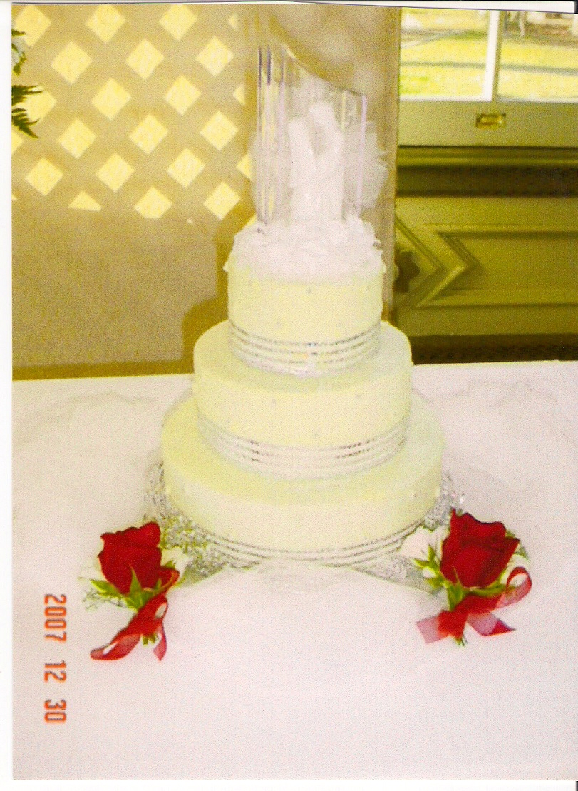Happy\'s Cake Shop - WEDDING CAKE PICTURE GALLERY